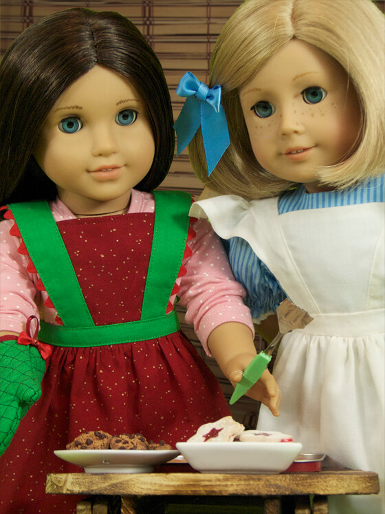 Lee & Pearl Pattern 1022: Cookie Time Apron, Pinafore and Oven Mitt for 18 Inch Dolls